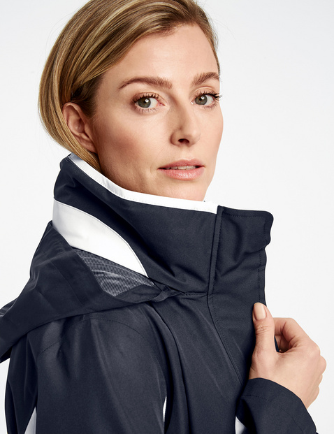 Jacket with an integrated quilted body warmer