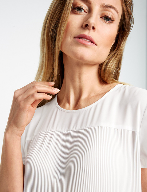 Pleated blouse top