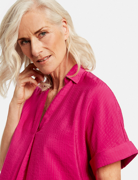 Textured mid-length sleeve blouse