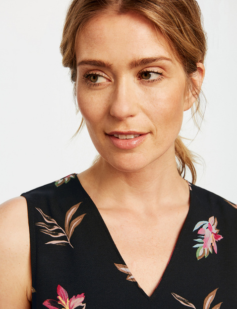 Ärmellose Bluse mit Flowerprint