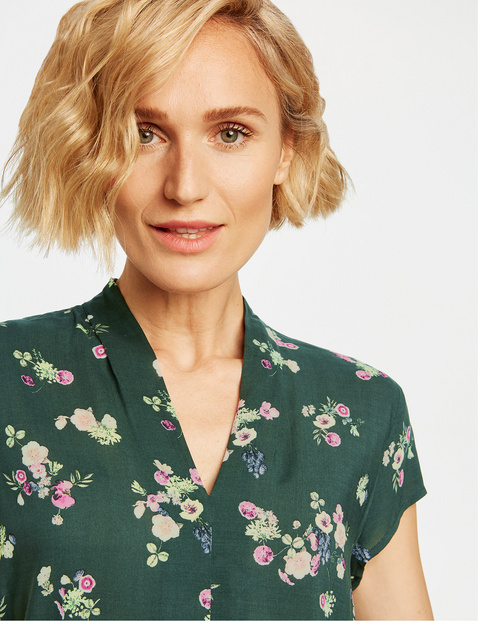 Blouse with a mille-fleurs pattern