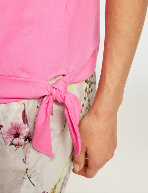 Top with a knotted detail