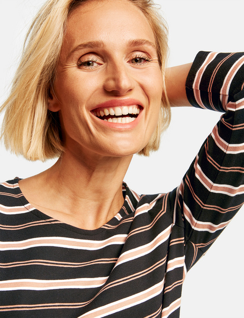 Striped top with 3/4-length sleeves, made of organic cotton