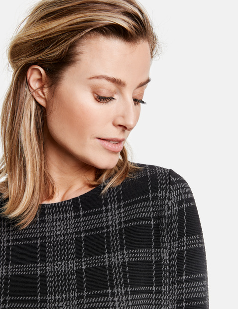 3/4-sleeve top with textured checks