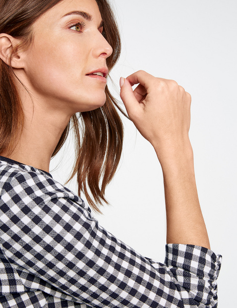 3/4-length sleeve top with gingham checks