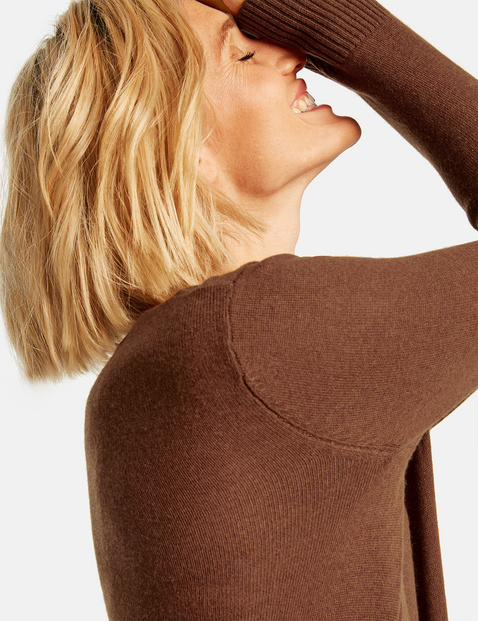 Jumper with cashmere