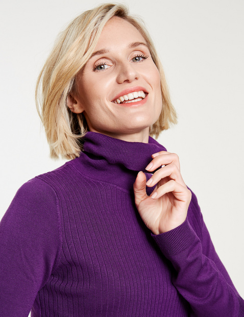 Polo neck jumper with a ribbed front