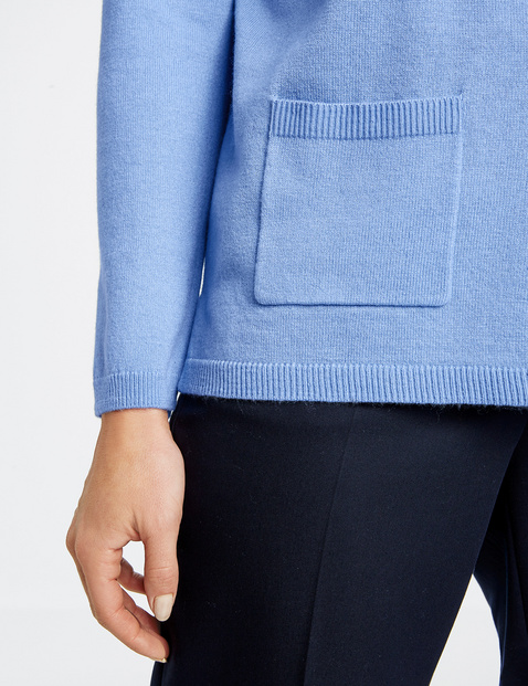 Jumper with wool