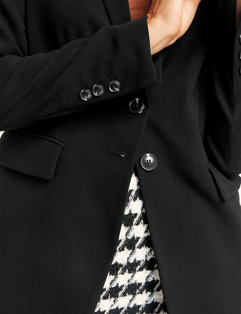 Blazer with a lapel collar