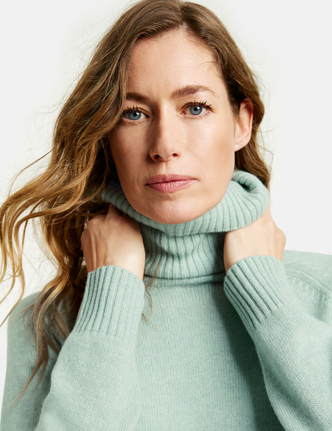 Jumper in a blend of wool and cashmere