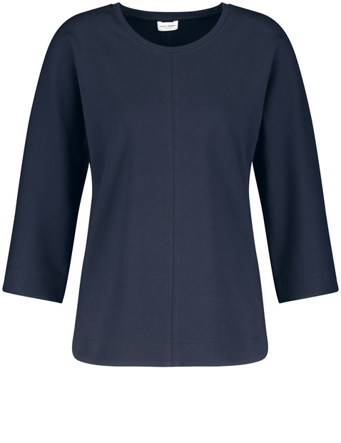 Casual top with 3/4-length sleeves