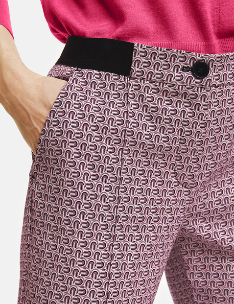 Trousers with a minimalist pattern