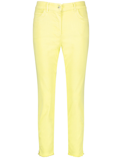 7/8-length trousers with frayed hems