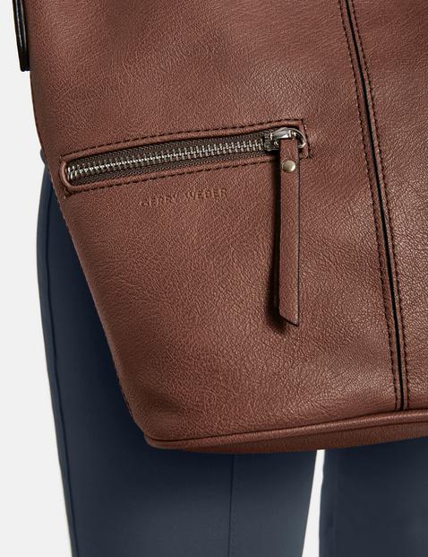 Shoulder bag, Leisure