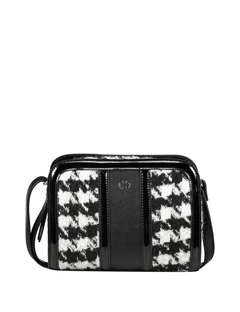 Small shoulder bag with a houndstooth pattern