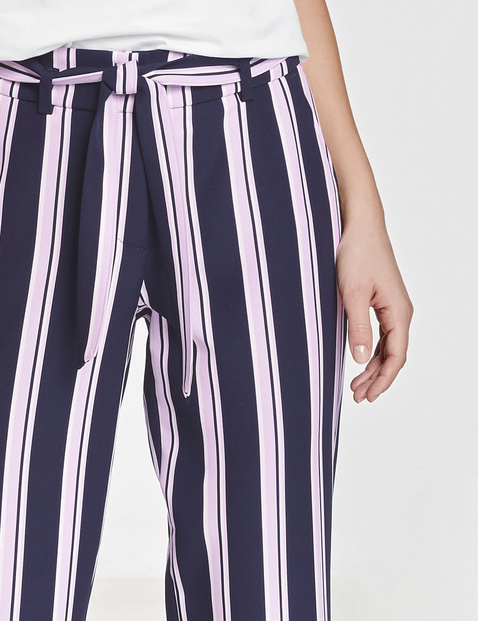 Trousers with stripes