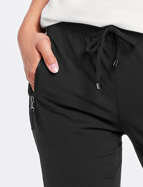 Slim fit trousers – tracksuit bottoms style