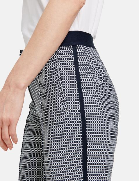 Spodnie w drobną kratkę