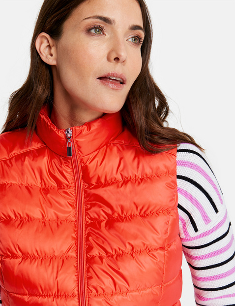 Quilted bodywarmer with a two-way zip