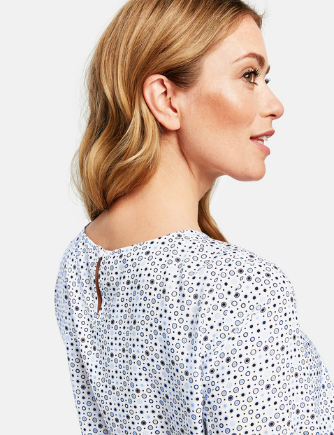 1/2-sleeve blouse with a minimalist pattern