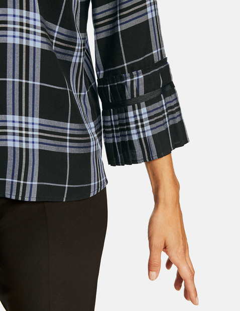 Checked blouse with 3/4-length sleeves