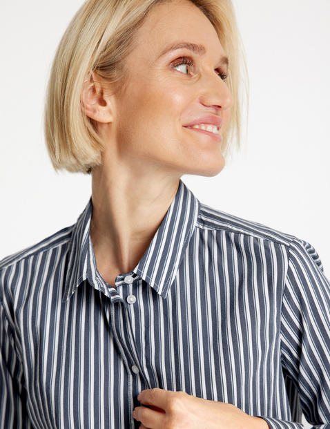 Long sleeve blouse with vertical stripes