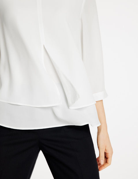 Blouse in a layered look