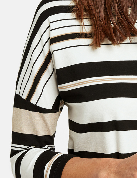 3/4-sleeve top with striped panelling