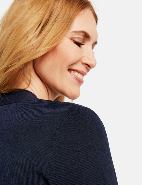 Short fine knit jacket