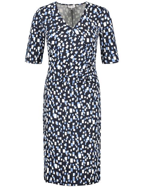 Sukienka z wzorem w kwadraciki